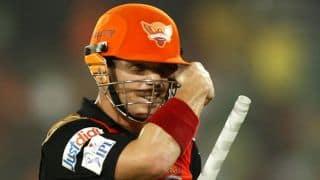 Shikhar Dhawan and David Warner propel Sunrisers Hyderabad towards target of 161 against Royal Challengers Bangalore in IPL 7 match