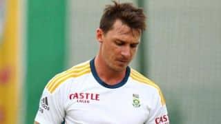 Dale Steyn injures leg while fishing in Zimbabwe