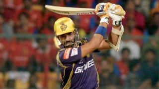 Robin Uthappa dismissed for 32 by Amit Mishra against Delhi Daredevils in IPL 2015