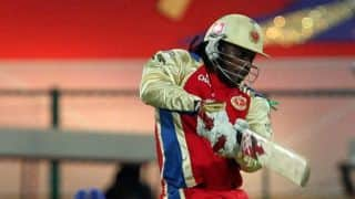 Harbhajan Singh ends Gayle's misery to put Mumbai Indians on top against Royal Challengers Bangalore in Match 16 of IPL 2015