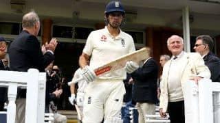 एलिस्टर कुक ने की इंटरनेशनल क्रिकेट से संन्यास की घोषणा