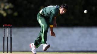 Walsall sign Pakistan's Umar Amin