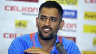 MS Dhoni wants to continue as India captain in all formats