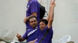 Sehwag praises 'Sachin: A Billion Dreams' trailer; Master praises his 'magical' tweets