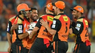 IPL 2016: Sunrisers Hyderabad beat Rising Pune Spuergiants by 4 runs to become table-toppers