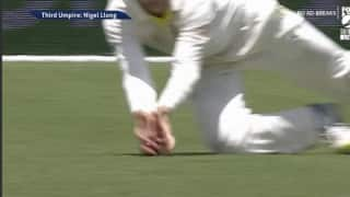 Watch: Virat Kohli's inninngs ends with a controversial catch