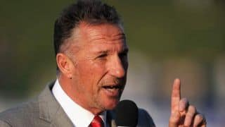 Botham offers 'glimmer of hope' for England