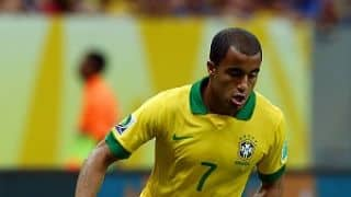 Lucas Moura replaces injured Rafinha in the Brazil national squad