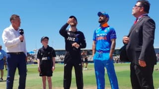 3rd ODI: New Zealand bat; India lose MS Dhoni to injury, play Hardik Pandya