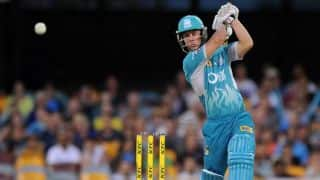 VIDEO: Chris Lynn hits Ben Hilfenhaus for 5 sixes in a row during Big Bash League match