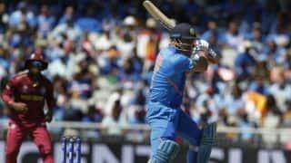 'धीमी बल्लेबाजी के लिए महेंद्र सिंह धोनी को एक दिन अफसोस होगा'