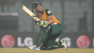 Haroon Lorgat congratulates South Africa and A B DeVilliers