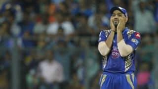 सनराइजर्स हैदराबाद के खिलाफ खराब बल्लेबाजी प्रदर्शन के बाद ट्विटर पर उड़ा मुंबई इंडियंस का मजाक