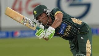 Younis Khan dismissed for 9 in final ODI innings in Pakistan vs England 2015, 1st ODI at Abu Dhabi
