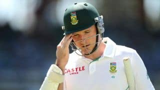 Graeme Smith hopes to continue playing domestic cricket after knee surgery