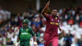 वकार यूनिस ने कहा, पाकिस्तान की टीम को कमजोर आंकना मूर्खता