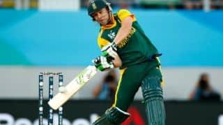 De Villiers to launch