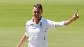 Dale Steyn's three-wicket burst hands South Africa momentum in 2nd Test against Australia