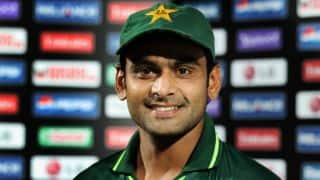 Should Mohammad Hafeez continue to lead Pakistan when he is low on confidence?