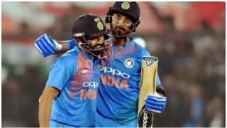 इंदौर में आई रन 'सुनामी', टीम इंडिया ने बनाए 260 रन