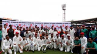 Team Indian shows beautiful gesture; Ask Afghan Players to pose with Trophy