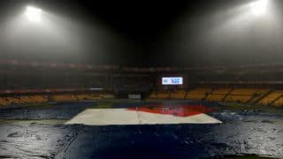 IPL 2016: Heavy rain delays start of RCB's tie against KXIP at Bengaluru
