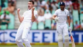 Morne Morkel four-for downs England to 303 all out at Lunch on Day 2, 1st Test at Durban