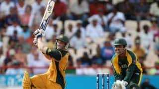 Hussey smashes Ajmal for 22 of 4 balls