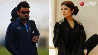 Virat Kohli enjoys Anushka Sharma's performance in IPL 2015 opening ceremony