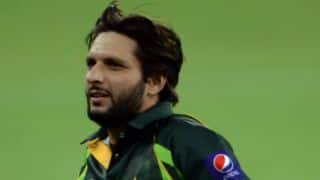 Pakistan fans pray for Shahid Afridi to have a son