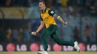 Faf du Plessis hails Dale Steyn as world's best bowler