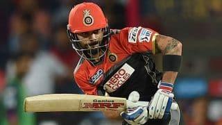 Virat Kohli dismissed for 14 by Mustafizur Rahman against SRH in IPL 2016