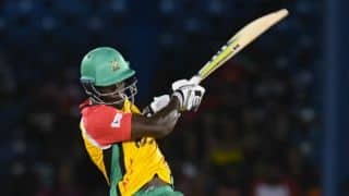 Walton's 92 overshadows Smith's 100 to help Guyana Amazon Warriors post 4-wicket victory over Barbados Tridents
