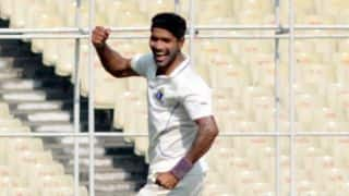 Ashok Dinda to receive 'Best Cricketer' award