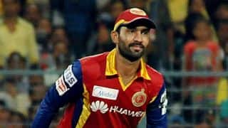 Dinesh Karthik equals IPL record for wicketkeeping dismissals during Royal Challengers Bangalore vs Sunrisers Hyderabad match in IPL 2015