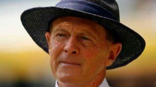 Boycott asks Robson to mend his batting technique