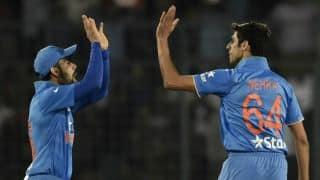 Ashish Nehra almost as fit as Virat Kohli, says Virender Sehwag