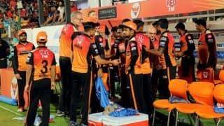 क्रिकेट न्यूज़ लाइव- IPL प्लेऑफ की चारों टीमों के नाम तय, केदार जाधव हुए चोटिल
