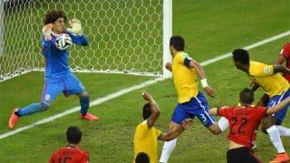 Ochoa congratulated by Brazilians