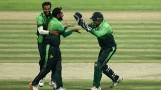 PAK add to SL's batting woes; bundle them for 102 in 1st T20I