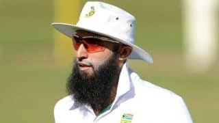 Hashim Amla signs for Derbyshire