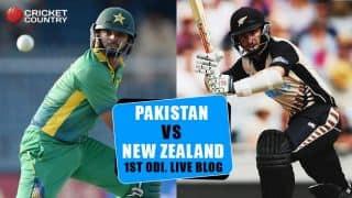 PAK 210 in 46 Overs | Live Cricket Score, Pakistan vs New Zealand 2015-16: 1st ODI at Wellington: Boult tears through Pakistan lower order