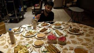 PHOTO: Virat Kohli's answer to MS Dhoni dinner selfie