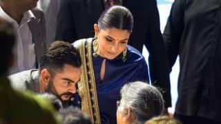 Virat Kohli, Anushka Sharma share an adorable moment during DDCA ceremony
