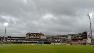 कोरोना काल में क्रिकेट का हाल: स्टेडियम में दर्शक नहीं, बाउंड्री पर सेनेटाइजर