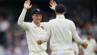 'खराब फॉर्म से जूझ रहे जोस बटलर पर से दबाव हटाए इंग्लैंड टीम'