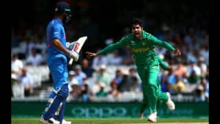 Pakistan lift ICC Champions Trophy 2017; crush India by 180 runs