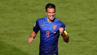 Van Persie may miss semi-final against Argentina