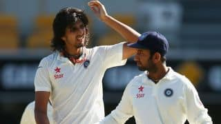 India vs Australia 2014-15: Ishant Sharma and Varun Aaron late on Day 4 of Brisbane Test