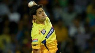 MS Dhoni praises Ashish Nehra after Chennai Super Kings narrow victory against Delhi Daredevils